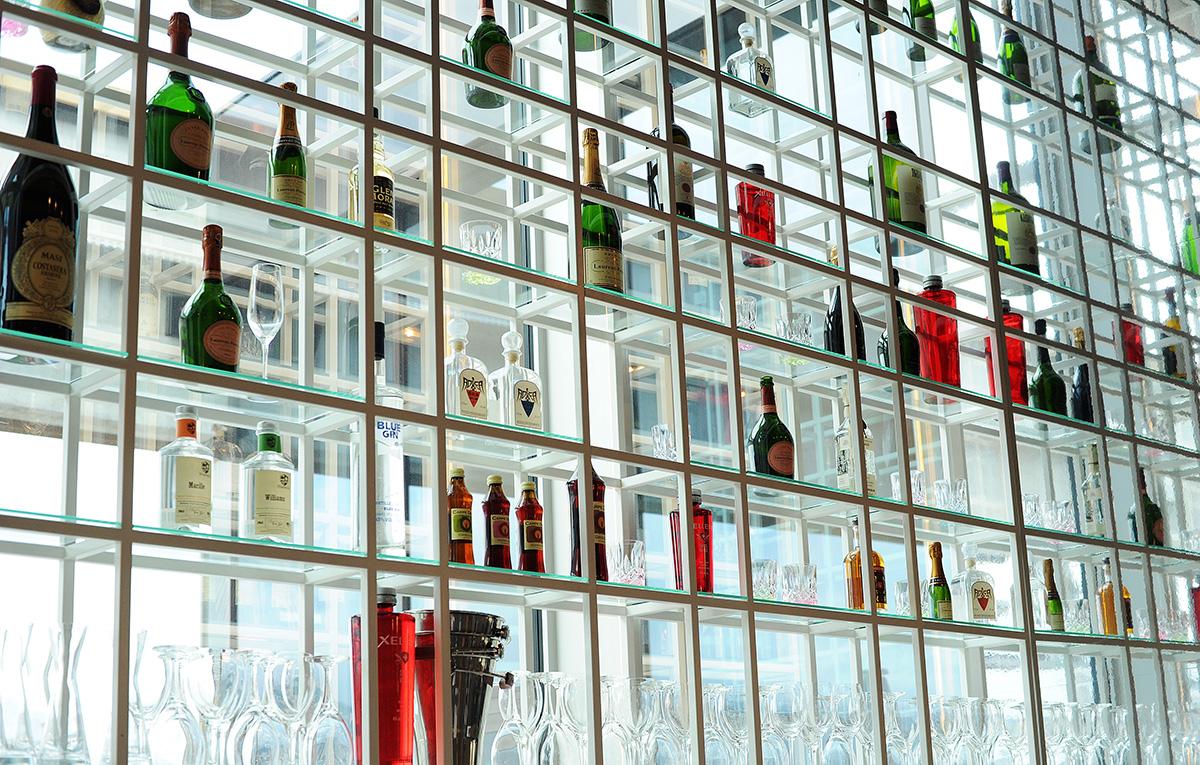 hotel-design-bar-adlers-1